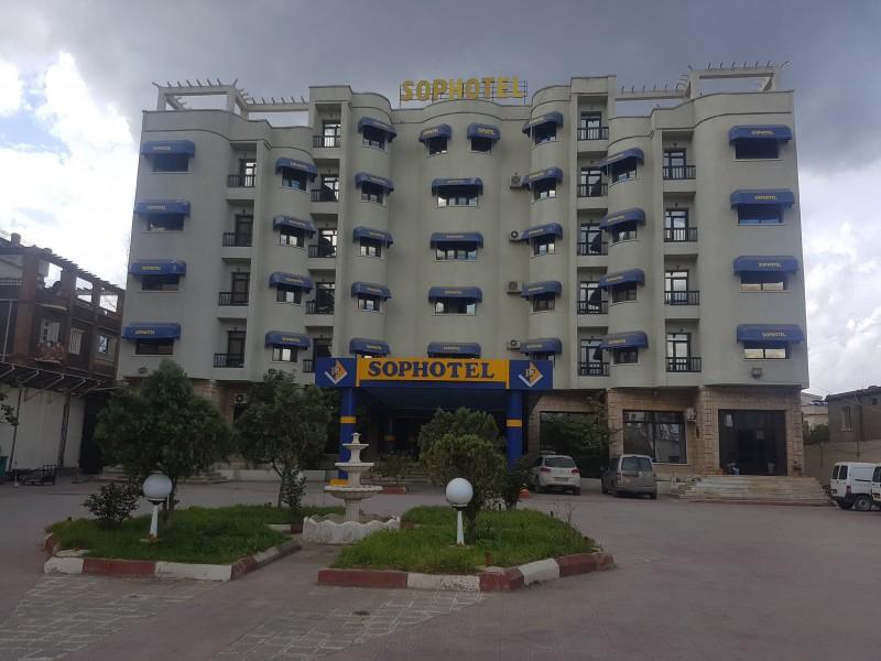 Installation 2017 d'une station de distribution des chaines en numérique à l'hôtel sophotel bedjaia