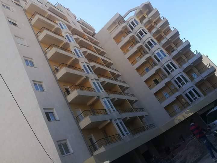Installation d'une regie 4 antenne pour 3 bloc 90 logement AKBOU PRO